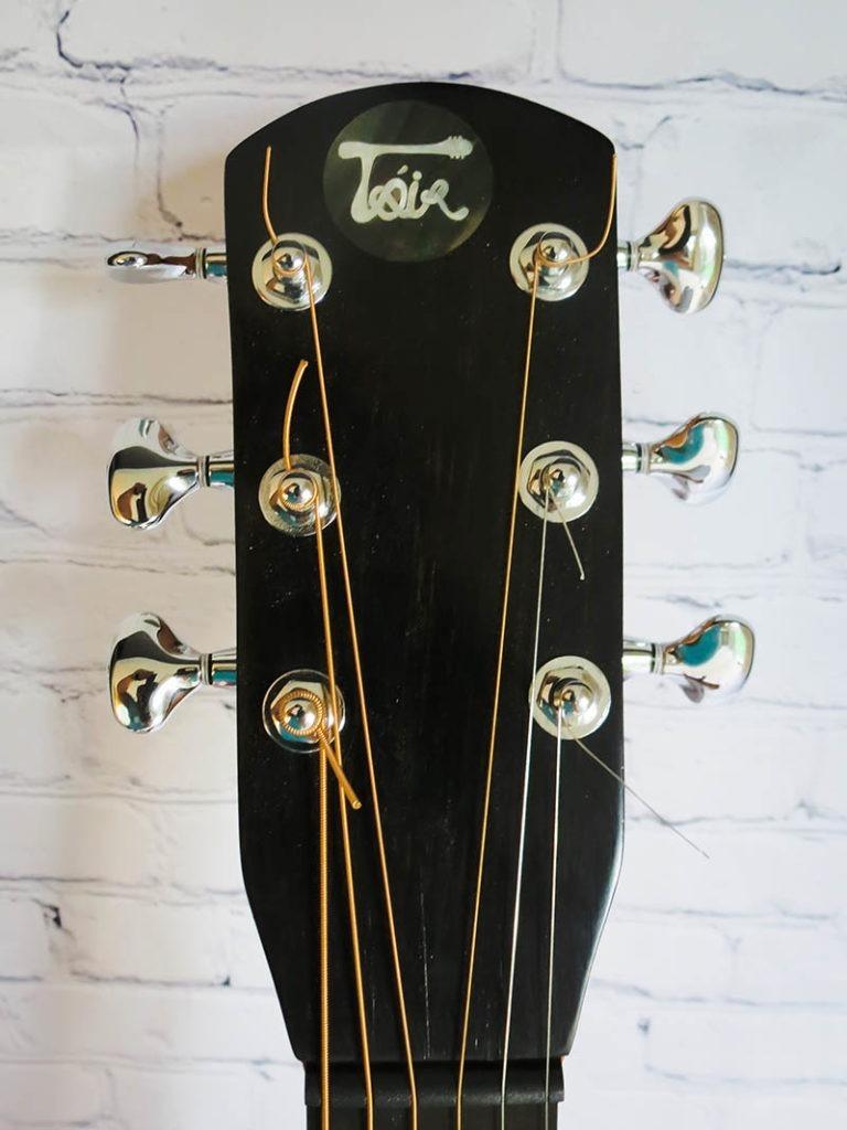 dark-neck-guitar